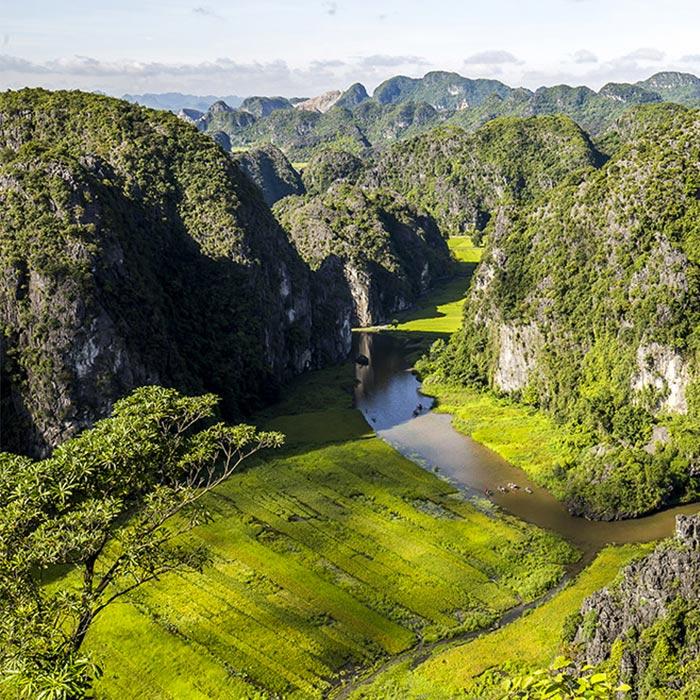 Vietnam, Ninh Binh, Mountains