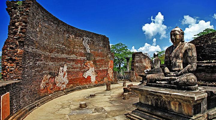 Ancient capital Polonnaruwa & elephant safari