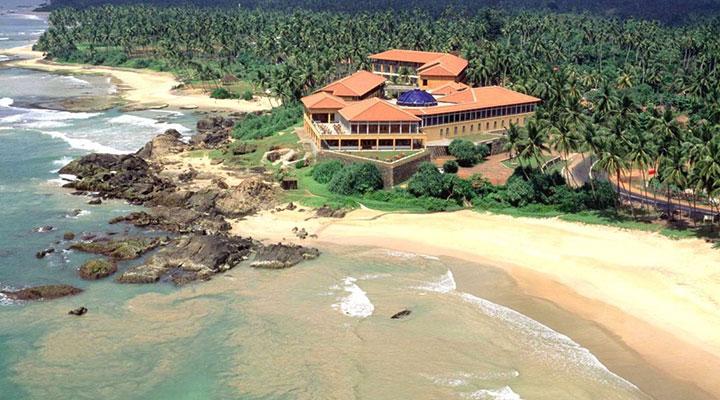 Optional train ride & arrival in Southern Sri Lanka