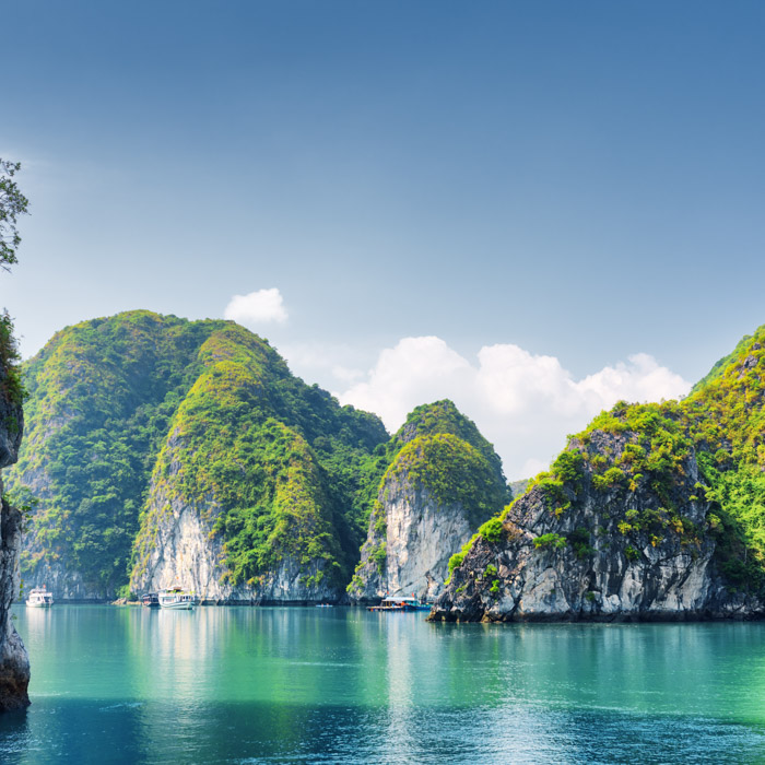 Vietnam, Halong Bay, lanscapes