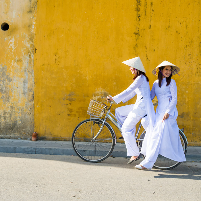 Vietnam, Women, Traditional costumes