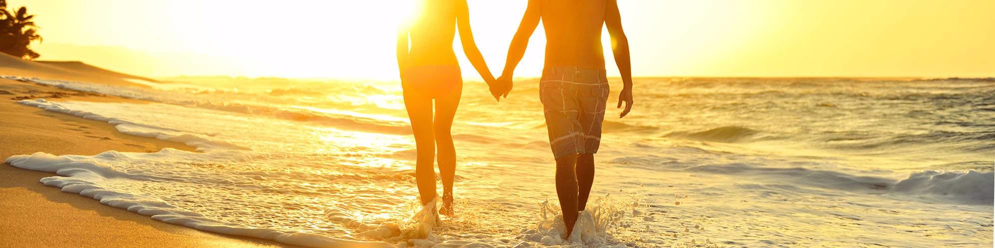 Couple, honeymoon, beach, Sri Lanka