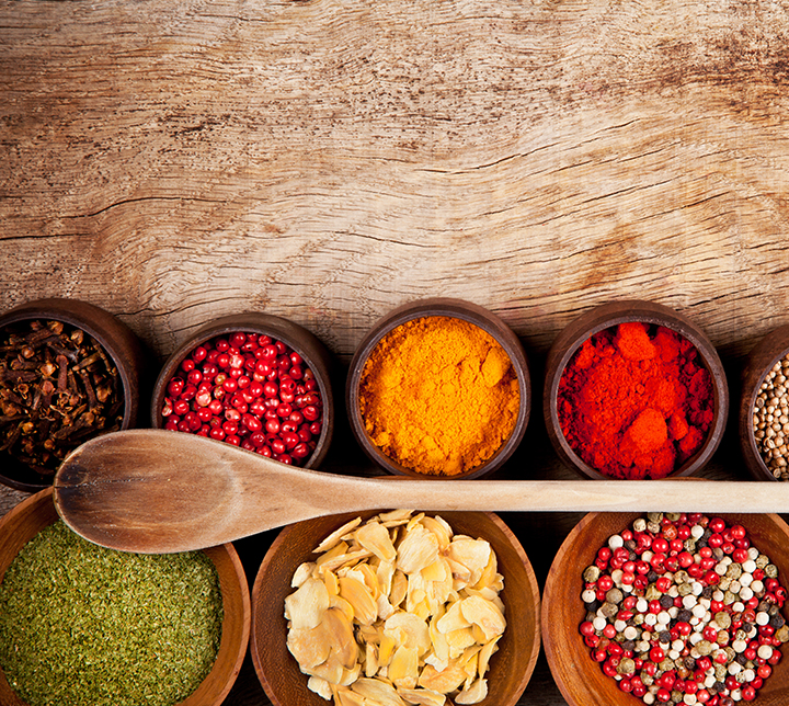 spices-in-wooden-bowls-sri-lanka