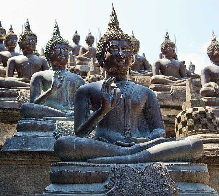 Sri Lanka, Colombo, Statues, Buddhism