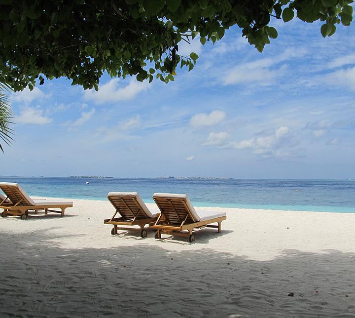 Sunbeds-Maldives-honeymoon